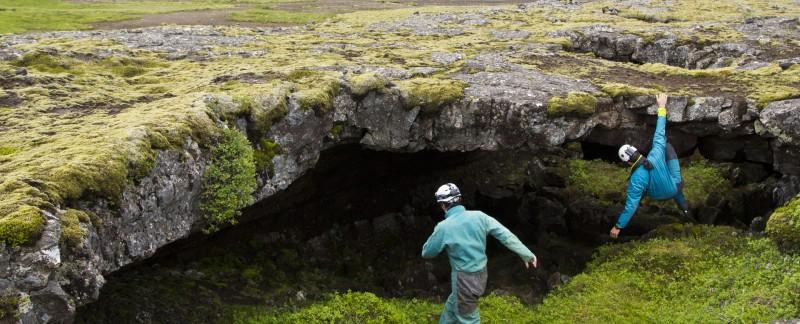 ok_iceland_floki_cave_01